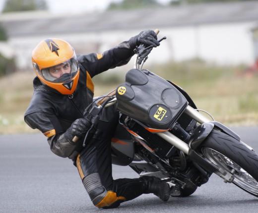 KTM Duke 2 piste Lurcy Levis